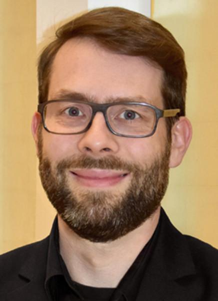 Dr-Marius-SchwemmerpoDaQ6YoAiIpo